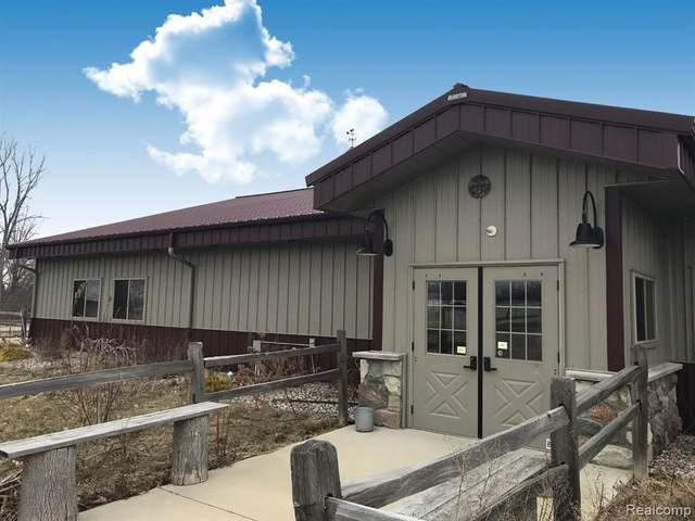 4353 Huron St, North Branch, MI 48461 (MLS #R2200024093) :: Berkshire Hathaway HomeServices Snyder & Company, Realtors®