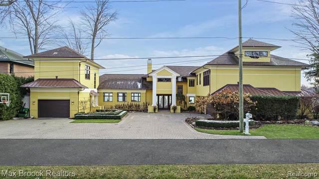 4781 Linwood St, West Bloomfield, MI 48324 (MLS #R2200024859) :: Berkshire Hathaway HomeServices Snyder & Company, Realtors®
