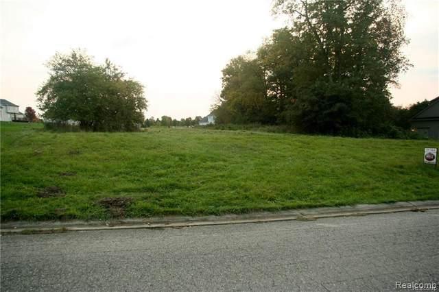 20 Tipperary Trail, Fenton, MI 48430 (MLS #R2200032875) :: Berkshire Hathaway HomeServices Snyder & Company, Realtors®