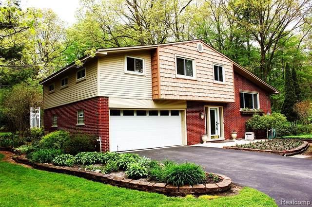 19380 Savage Rd, Belleville, MI 48111 (MLS #R2200034548) :: Berkshire Hathaway HomeServices Snyder & Company, Realtors®