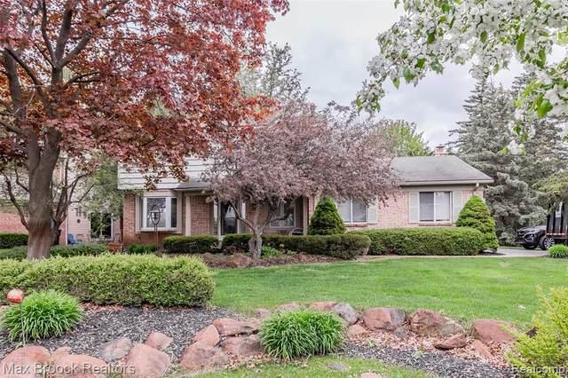 2532 Eaton Gate Rd, Lake Orion, MI 48360 (MLS #R2200035506) :: Berkshire Hathaway HomeServices Snyder & Company, Realtors®