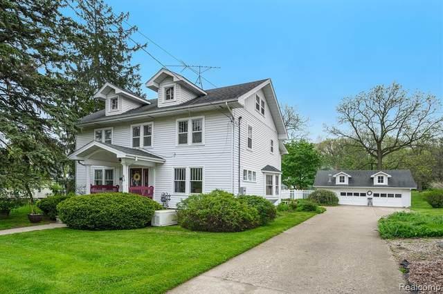 613 W Shiawassee Ave, Fenton, MI 48430 (MLS #R2200036115) :: Berkshire Hathaway HomeServices Snyder & Company, Realtors®