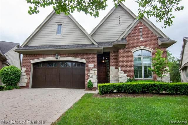 5722 Pembrooke Crossing, West Bloomfield, MI 48322 (MLS #R2200036143) :: Berkshire Hathaway HomeServices Snyder & Company, Realtors®