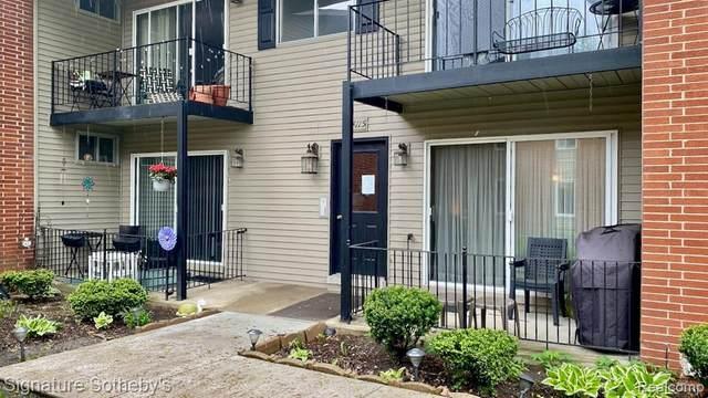 4115 Benjamin Ave, Royal Oak, MI 48073 (MLS #R2200036782) :: Berkshire Hathaway HomeServices Snyder & Company, Realtors®