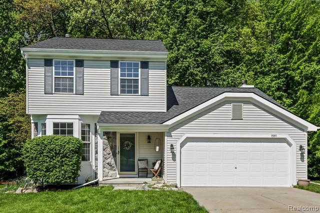 1591 Andover Blvd, Howell, MI 48843 (MLS #R2200036790) :: Berkshire Hathaway HomeServices Snyder & Company, Realtors®