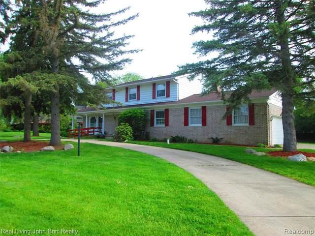 9300 Burning Tree Dr, Grand Blanc, MI 48439 (MLS #R2200037108) :: Berkshire Hathaway HomeServices Snyder & Company, Realtors®