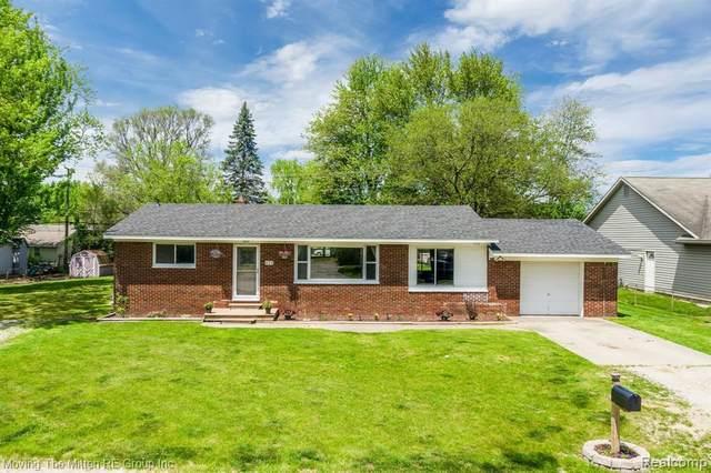 424 Dorothy St, South Lyon, MI 48178 (MLS #R2200037268) :: Berkshire Hathaway HomeServices Snyder & Company, Realtors®