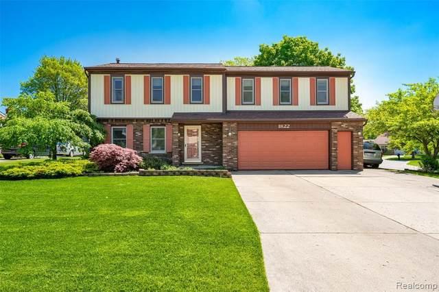 1822 Baywood Dr, Wixom, MI 48393 (MLS #R2200037343) :: Berkshire Hathaway HomeServices Snyder & Company, Realtors®