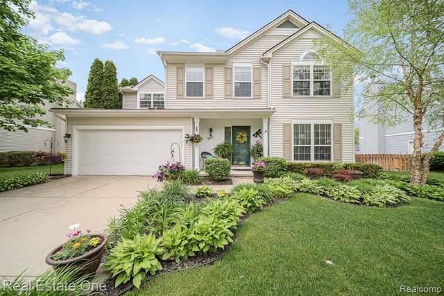 963 Oak Creek Dr, South Lyon, MI 48178 (MLS #R2200037455) :: Berkshire Hathaway HomeServices Snyder & Company, Realtors®