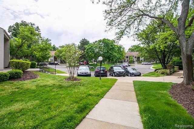6174 Palomino Crt, West Bloomfield, MI 48322 (MLS #R2200037783) :: Berkshire Hathaway HomeServices Snyder & Company, Realtors®