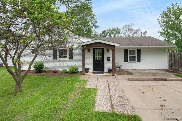 922 Hadden Ave, Howell, MI 48843 (MLS #R2200037890) :: Berkshire Hathaway HomeServices Snyder & Company, Realtors®