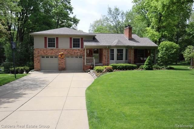 425 Kendry, Bloomfield Hills, MI 48302 (MLS #R2200037945) :: Berkshire Hathaway HomeServices Snyder & Company, Realtors®