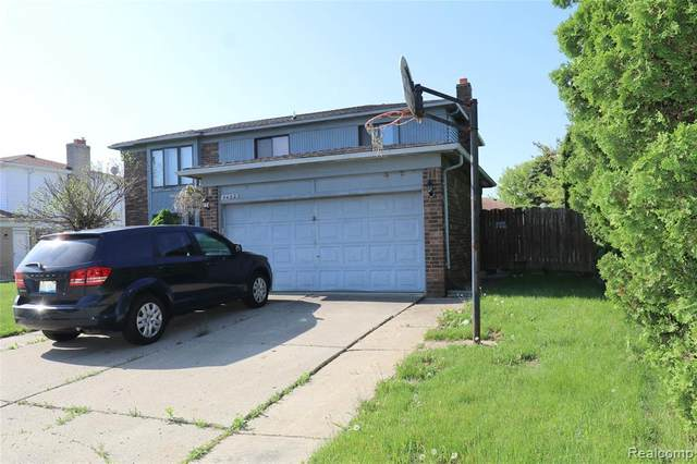 3452 Pipers Glen Dr, Sterling Heights, MI 48310 (MLS #R2200038051) :: Berkshire Hathaway HomeServices Snyder & Company, Realtors®