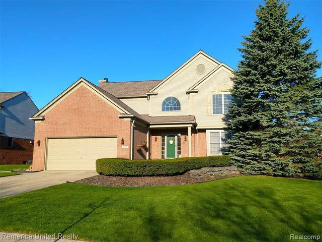 4534 Middledale Rd S, West Bloomfield, MI 48323 (MLS #R2200038096) :: Berkshire Hathaway HomeServices Snyder & Company, Realtors®