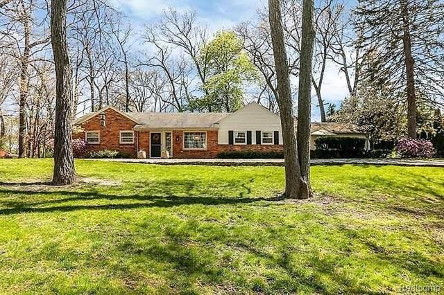 1541 Sodon Lake Dr, Bloomfield Hills, MI 48302 (MLS #R2200038168) :: Berkshire Hathaway HomeServices Snyder & Company, Realtors®