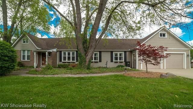1041 Adams Rd, Milford, MI 48381 (MLS #R2200039562) :: Berkshire Hathaway HomeServices Snyder & Company, Realtors®