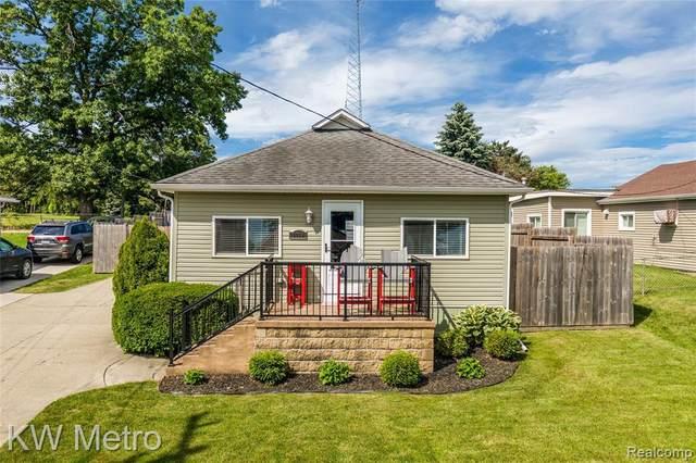 1068 Sunrise Park St, Howell, MI 48843 (MLS #R2200051516) :: Berkshire Hathaway HomeServices Snyder & Company, Realtors®