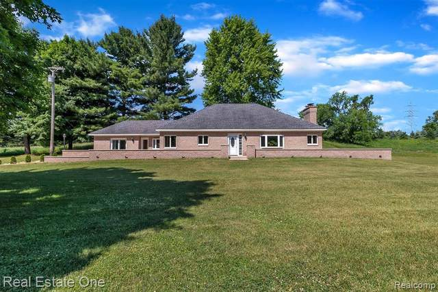3140 Pingree Rd, Howell, MI 48843 (MLS #R2200052391) :: Berkshire Hathaway HomeServices Snyder & Company, Realtors®