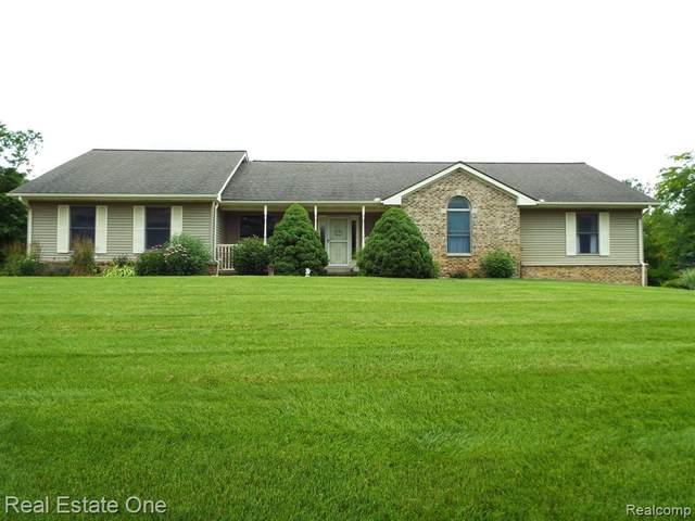 9787 Dickerson Crt, South Lyon, MI 48178 (MLS #R2200055841) :: Berkshire Hathaway HomeServices Snyder & Company, Realtors®