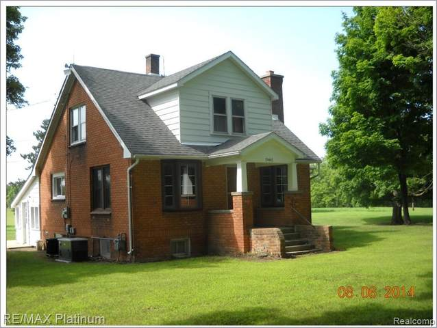 7447 Walsh Rd, Dexter, MI 48130 (MLS #R2200056772) :: Berkshire Hathaway HomeServices Snyder & Company, Realtors®