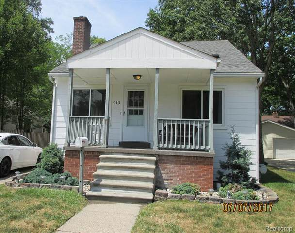 913 Maxwell Ave, Royal Oak, MI 48067 (MLS #R2200058838) :: Berkshire Hathaway HomeServices Snyder & Company, Realtors®