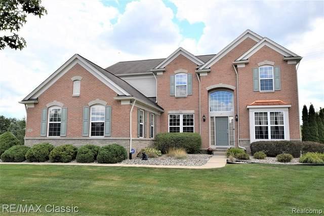 58827 Peters Barn Dr, South Lyon, MI 48178 (MLS #R2200060524) :: Berkshire Hathaway HomeServices Snyder & Company, Realtors®