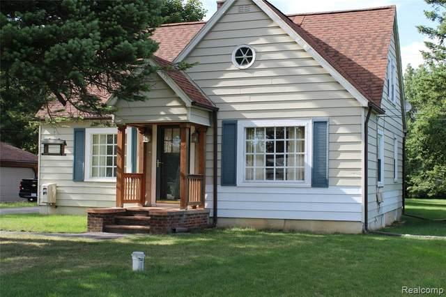 3598 Davison Rd, Lapeer, MI 48446 (MLS #R2200061214) :: Berkshire Hathaway HomeServices Snyder & Company, Realtors®