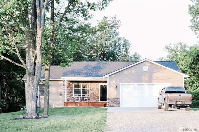 84 Peters Path, Lapeer, MI 48446 (MLS #R2200061247) :: Berkshire Hathaway HomeServices Snyder & Company, Realtors®