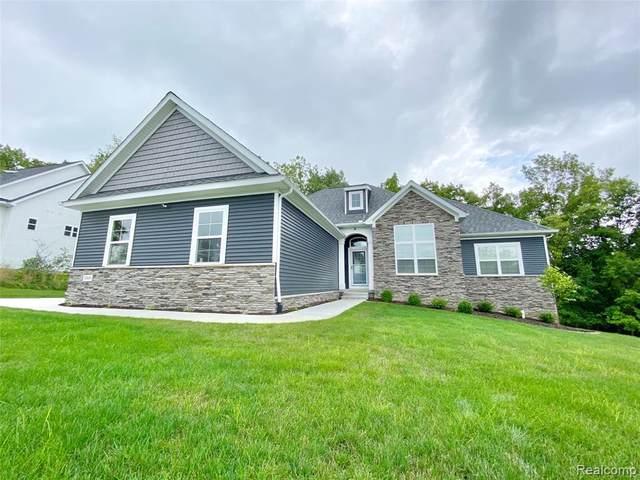 1069 Sugar Maple Crt, Fenton, MI 48430 (MLS #R2200061986) :: Berkshire Hathaway HomeServices Snyder & Company, Realtors®