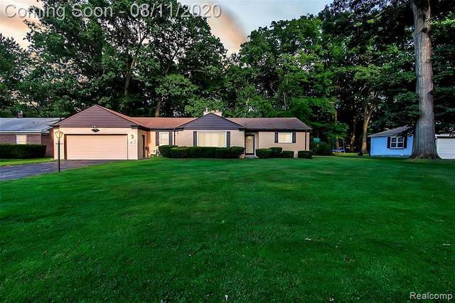 21570 Stahelin Rd, Southfield, MI 48075 (MLS #R2200063080) :: Berkshire Hathaway HomeServices Snyder & Company, Realtors®