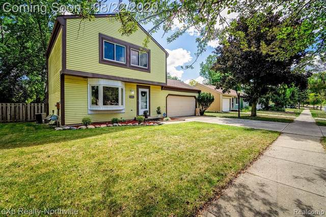 3525 Stoneleigh Dr, Lansing, MI 48910 (MLS #R2200067679) :: Berkshire Hathaway HomeServices Snyder & Company, Realtors®
