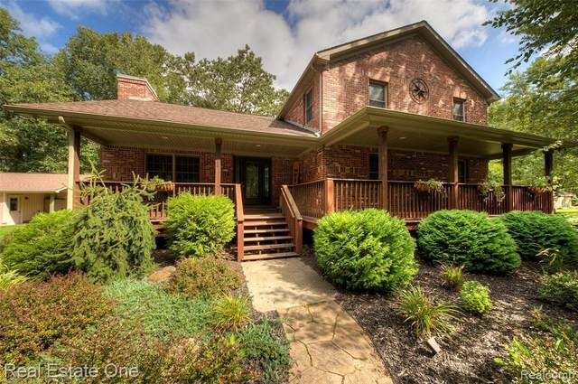9855 Riverview, Pinckney, MI 48116 (MLS #R2200075319) :: Berkshire Hathaway HomeServices Snyder & Company, Realtors®