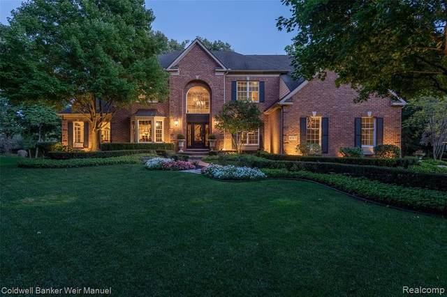 45471 Tournament Dr, Northville, MI 48168 (MLS #R2200075672) :: Berkshire Hathaway HomeServices Snyder & Company, Realtors®
