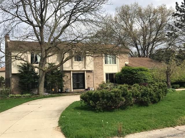 28840 Nottoway Dr, Farmington Hills, MI 48331 (MLS #R2200077211) :: Berkshire Hathaway HomeServices Snyder & Company, Realtors®
