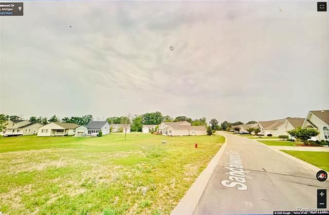 5148 Sandalwood Cir, Grand Blanc, MI 48439 (MLS #R2200077581) :: Berkshire Hathaway HomeServices Snyder & Company, Realtors®