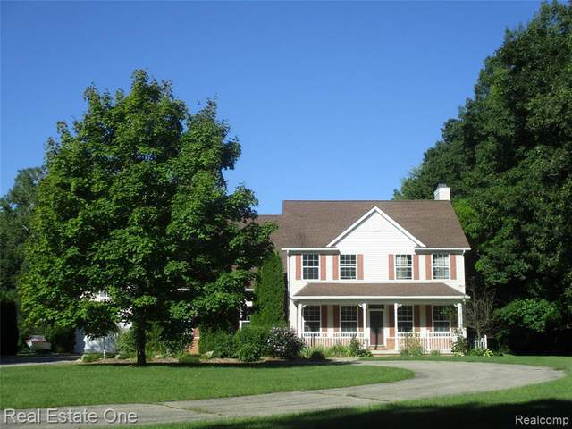 14192 Hogan Rd, Linden, MI 48451 (MLS #R2200077667) :: Berkshire Hathaway HomeServices Snyder & Company, Realtors®
