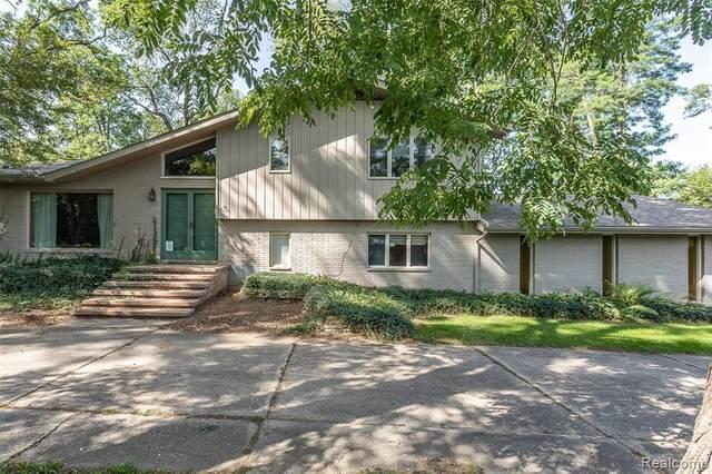 28845 Inkster Rd, Farmington Hills, MI 48334 (MLS #R2200078211) :: Berkshire Hathaway HomeServices Snyder & Company, Realtors®