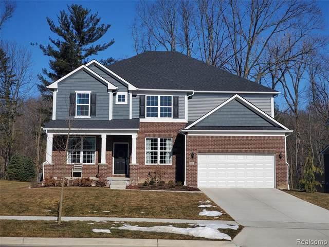 698 Arlington Dr, Saline, MI 48176 (MLS #R2200078213) :: Berkshire Hathaway HomeServices Snyder & Company, Realtors®