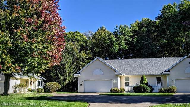 4611 Thistle Mill Crt, Kalamazoo, MI 49006 (MLS #R2200084483) :: Berkshire Hathaway HomeServices Snyder & Company, Realtors®