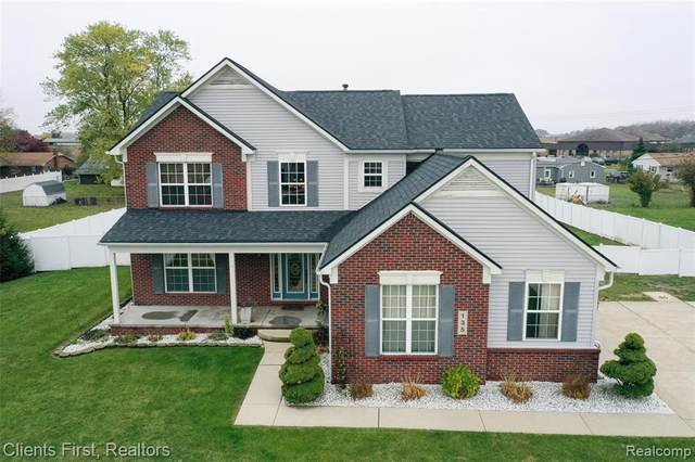 135 Aberdeen Ln, Monroe, MI 48161 (MLS #R2200085214) :: Berkshire Hathaway HomeServices Snyder & Company, Realtors®