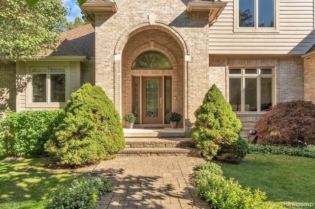 7940 Alta Vista Dr, Pinckney, MI 48169 (MLS #R2200085632) :: Berkshire Hathaway HomeServices Snyder & Company, Realtors®