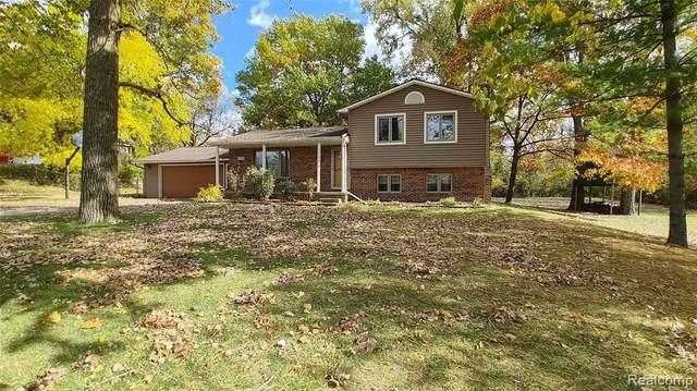 10498 Carmer Rd, Fenton, MI 48430 (MLS #R2200086024) :: Berkshire Hathaway HomeServices Snyder & Company, Realtors®