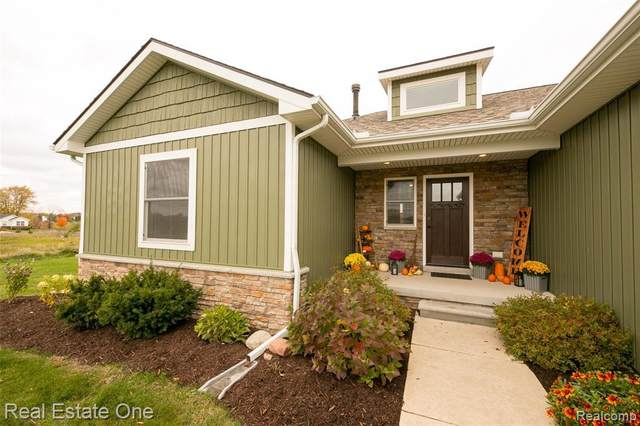 2746 Clivedon Rd, Howell, MI 48843 (MLS #R2200087155) :: Berkshire Hathaway HomeServices Snyder & Company, Realtors®