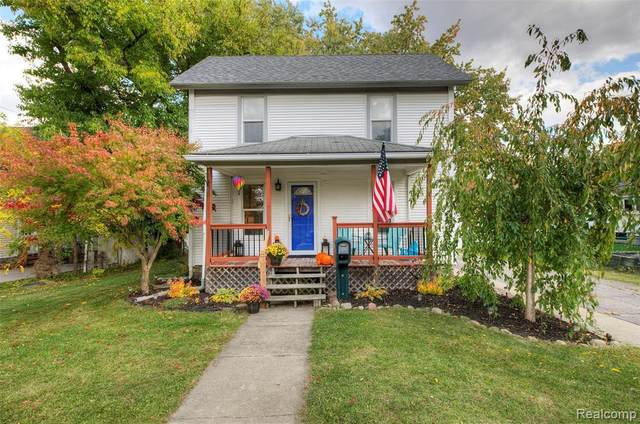 427 West St, Howell, MI 48843 (MLS #R2200088020) :: Berkshire Hathaway HomeServices Snyder & Company, Realtors®