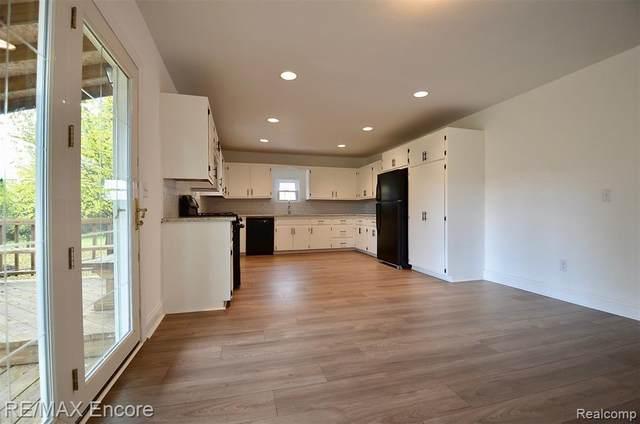 4381 Pinedale Ave, Clarkston, MI 48346 (MLS #R2200088670) :: Berkshire Hathaway HomeServices Snyder & Company, Realtors®