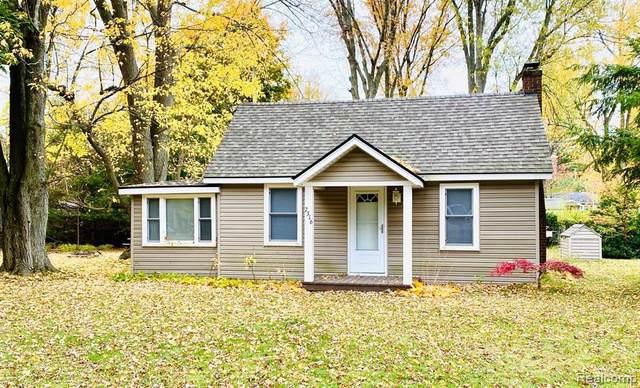 7316 Maple, Lexington, MI 48450 (MLS #R2200089195) :: Berkshire Hathaway HomeServices Snyder & Company, Realtors®