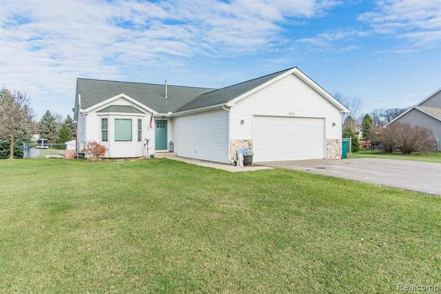 10950 Mack-In-Aw Trail, Fowlerville, MI 48836 (MLS #R2200094527) :: Berkshire Hathaway HomeServices Snyder & Company, Realtors®