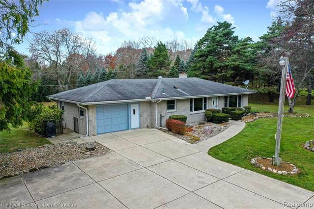 10875 Hensell Rd, Holly, MI 48442 (MLS #R2200096408) :: Berkshire Hathaway HomeServices Snyder & Company, Realtors®
