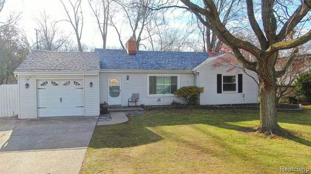 30201 5 Mile Rd, Livonia, MI 48154 (MLS #R2200097027) :: Berkshire Hathaway HomeServices Snyder & Company, Realtors®