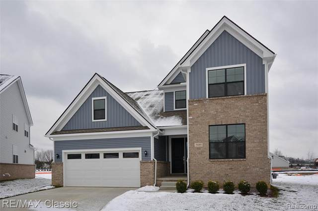 5689 Alia Crt, West Bloomfield, MI 48322 (MLS #R2210003857) :: Berkshire Hathaway HomeServices Snyder & Company, Realtors®